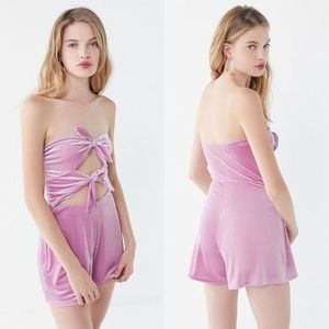 Urban Outfitters Pants - 🆕NWT Urban Outfitters bow detail strapless romper